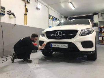 uber-wash-detail-mercedes-05